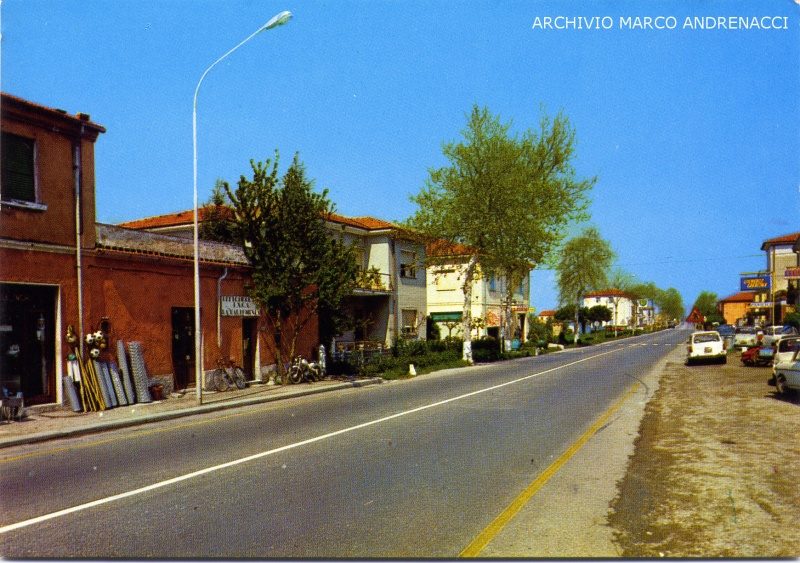 File:1980 - La California, Via Aurelia.jpg
